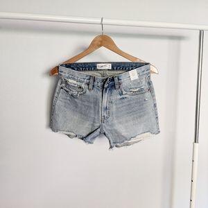 Abercrombie & Fitch Mid Rise Boyfriend Shorts